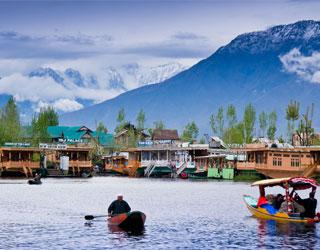 Amritsar to Kashmir Bus Hire